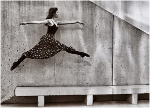 Susan Silkowitz - Lovely Leap - A IOM BW